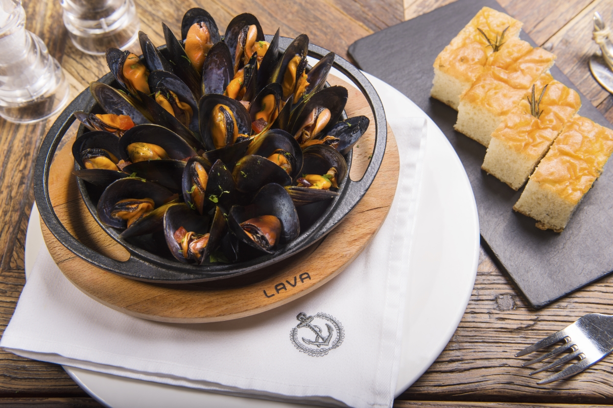 Blue Mussels in Verjus Butter Sause